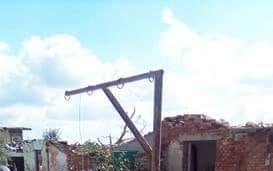 Pomoc Hubáčkům (Amíkům) z Mikulčic, na opravu střechy, sklípku atd. po tornádu