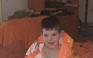 Počítačové spojení se světem pro postiženou Simonu a jejího synovce Tomáška