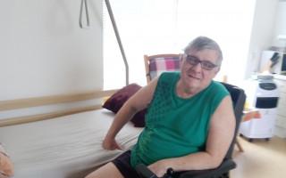 Pan Zoula je po amputaci končetin a rozbil se mu vozík