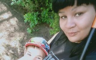 Pomoc samoživitelce Nikole a jejímu synovi Sebastiánovi