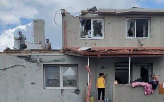 Během chvíle bez střechy nad hlavou - pomozte rodině Novotných z Lužic