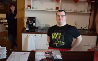 Káva pro Radost na Hradeckém slunovratu