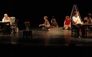 Pomoc Divadlu BARKA a postiženým uměním
