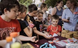 Školní potřeby a pomůcky pro děti rodičů samoživitelů