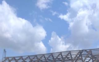 Nová střecha a domov pro Motlovy - ročního Maxíka a jeho rodiče Verču a Radka