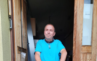 Vozíčkář Josef ze Slavkova vždy všem pomáhal. Pomozte mu k novému autu!