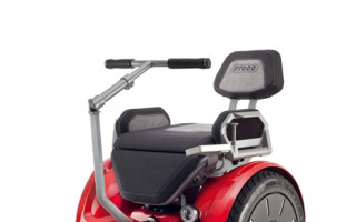 Elektrický vozík Filipovi pomůževmobilitě a vdalším studiu