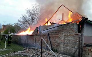 Požár rodinného domu - pomozte rodině z Novosedel