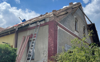 Obnovení komunitní lezecké stěny, kterou zničilo tornádo