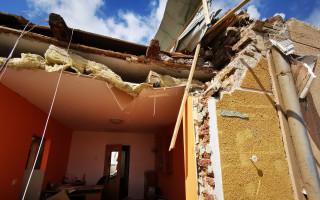 Pomoc strýci, Miroslavu Pavkovi, kterému tornádo srovnalo dům se zemí