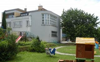 Sunny Side hraje pro Dětské centrum při Klaudiánově nemocnici vMladé Boleslavi