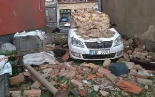 Pomoc pro Janu a její dceru, kterým tornádo zničilo dům