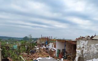 Pomoc pro Hanákovy z Mikulčic, kterým tornádo vzalo střechu nad hlavou