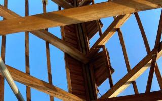 Pomoc pro Petra Maradu, kterému tornádo zničilo vinařství a dům