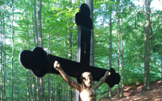 Pomozte s opravou pomníčku U zabitého mládence