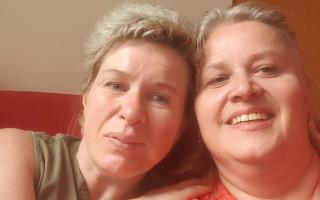 Pomoc pro spolužačku a dlouholetou kamarádku, samoživitelku Renatu, která se ocitla v tíživé situaci
