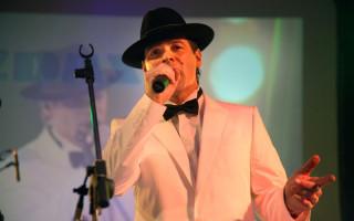 Podpořme společně online koncert toho nejlepšího od legendárního Franka Sinatry