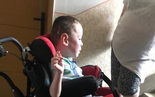 Dětský invalidní kočárek pro Denise