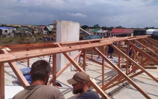 Tornádo nám vzalo střechu nad hlavou – pomoc pro Zugarovy a Říhovy