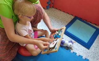 Neurorehabilitace pro Nikolku, které jí usnadní nástup do školky