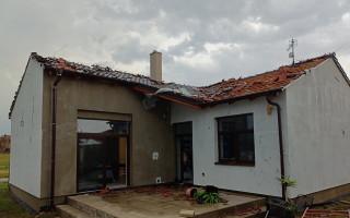 Pomoc pro kamarádku Šárku Hessovou, které tornádo zničilo dům i auto