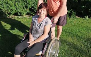 Ivana je po mozkové mrtvici, pomozme jí vrátit se do života