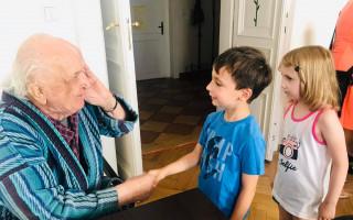 Pomáhejte s Herbářem usnadnit život lidem trpícím Alzheimerovou chorobou, jejich přátelům a rodinám