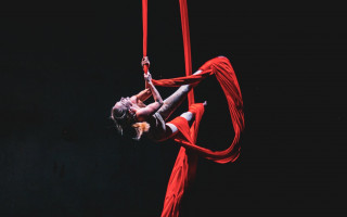 THE SAME SELF: Představení, které boří ženské tabu!