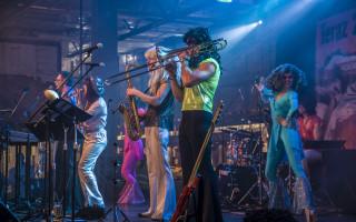 FLASH SHOW - Podpořme společně hudebně-kostýmní online show