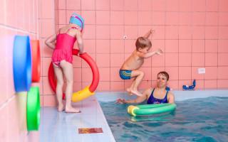 Podpořte Klub Delfín, aby mohl zase plavat