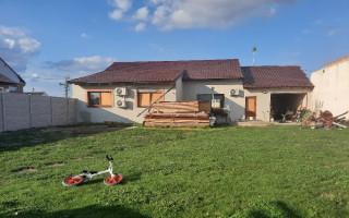 Pomoc Lukášovi Čechovi a jeho rodině, kterým tornádo zničilo dům