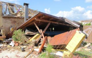 Tornádo nám během deseti sekund vzalo střechu nad hlavou – pomoc Kalábkovým