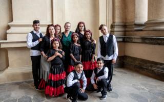 Hvězdy dětem pomáhají tanečnici Petrušce z dětského domova