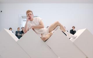 Káznice LIVE: Film fyzického divadla I am normal