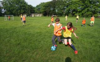 UNION SPOJUJE. Břevnováci vracejí fotbal do své čtvrti.