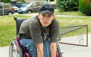 Kolečka pro Štěně – přispějme Aničce na nový vozík