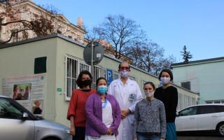 Isara hraje ve prospěch centra pro Alzheimerovu demenci