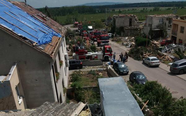 Pomohli jste Pěnicovým, kterým tornádo zničilo domov