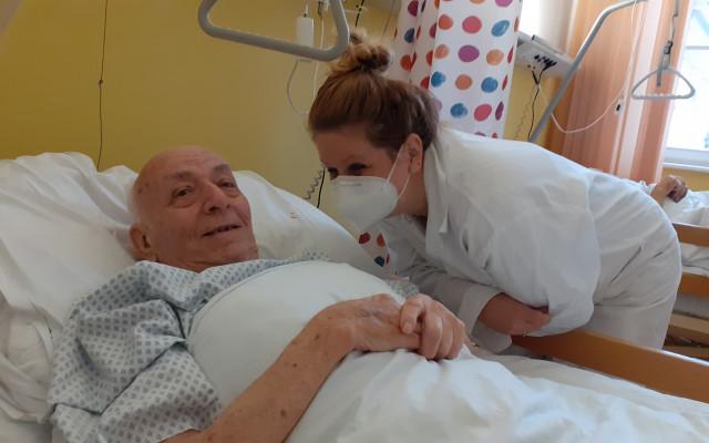Podpořme psychoterapeutickou péči o osamělé pacienty v nemocnicích