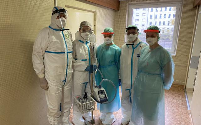 Pomozme Nemocnici Milosrdných bratří získat přístroj na léčbu pacientů s onemocněním COVID-19