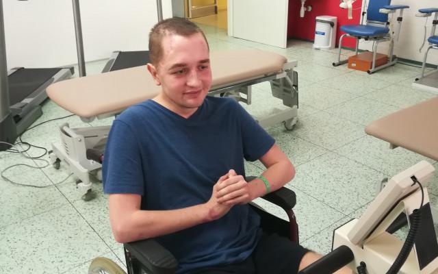 Přispějme Tomášovi na rehabilitace