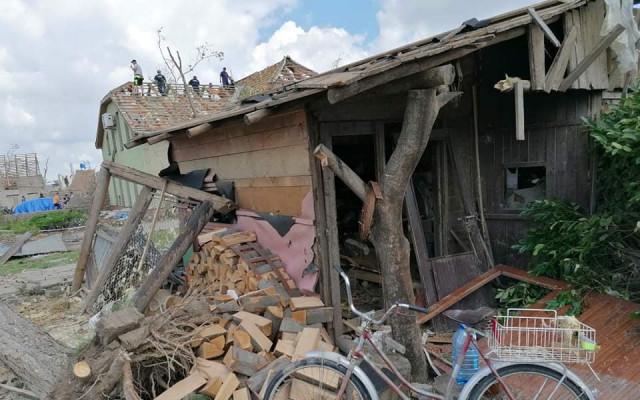 Pomoc manželům Čulenovým po ničivém tornádu