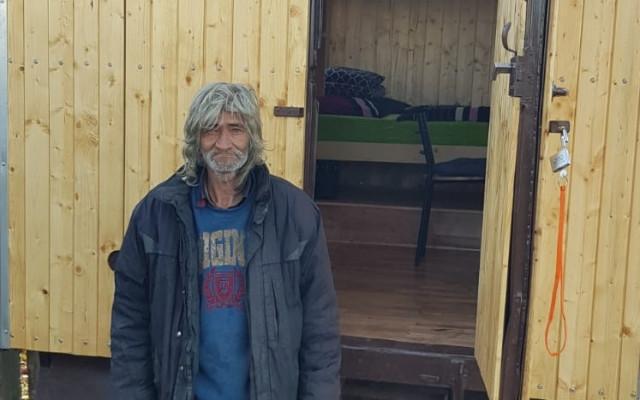 Složili jste se Jardovi na maringotku, aby mohl letošní zimu strávit v teple a bezpečí