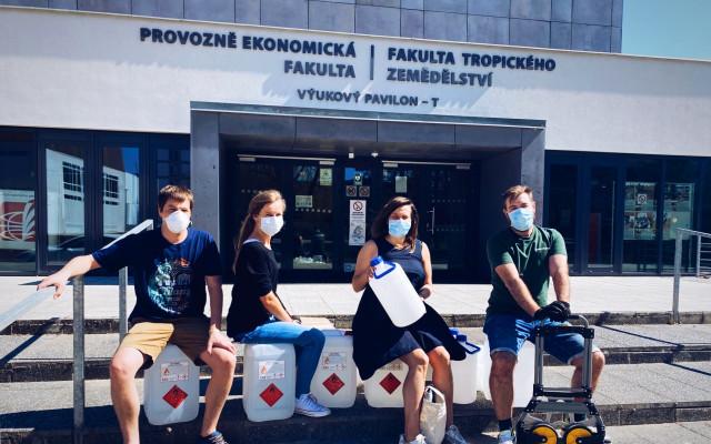Podpořte dvojici z Hænke, která vyrábí dezinfekci pro zdravotní personál