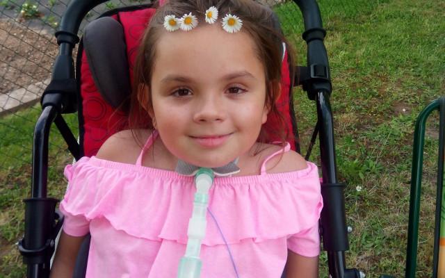 Podpořte Dominičku, které se po autonehodě doslova změnil život