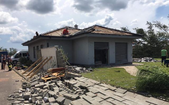 Pomohli jste rodině Diváckých z Lužic, které tornádo zničilo domov