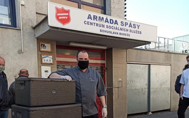 Pomozte zajistit obědy pro lidi v Azylovém domě Armády spásy