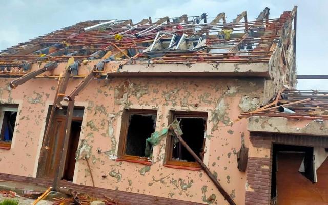 Pomohli jste rodině Talábových v Hruškách, kterým tornádo zdevastovalo dům