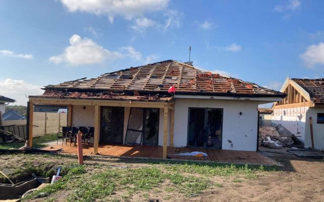 Pomoc rodině Konečných z Hrušek, kterým tornádo zničilo dům