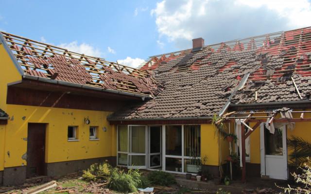 Pomohli jste Kalábkovým, kterým tornádo zničilo dům